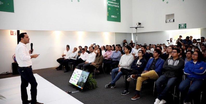 Se reúne el Gobernador Mauricio Vila Dosal con estudiantes del Instituto Tecnológico del Petróleo y Energía